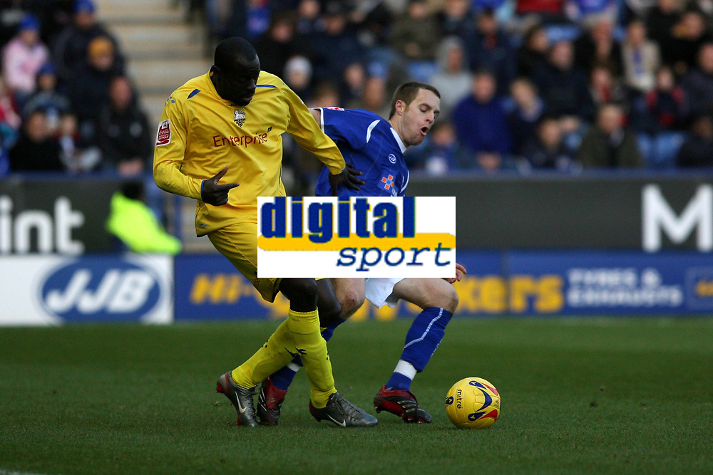 Photo: Pete Lorence.<br />Leicester City v Preston North End. Coca Cola Championship. 18/11/2006.<br />Patrick Agyemang and Alan Maybury battle for the ball.