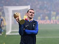 FUSSBALL  WM 2018  FINALE  ------- Frankreich - Kroatien    15.07.2018 JUBEL Weltmeister Frankreich; Antoine Griezmann jubelt mit dem Pokal