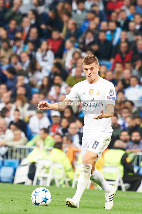 Toni Kroos (midfielder, Real Madrid F.C.) in action during the UEFA Champions League match between Real Madrid and FC Shakhtar Donetsk at Santiago Bernabeu on September 15, 2015 in Madrid