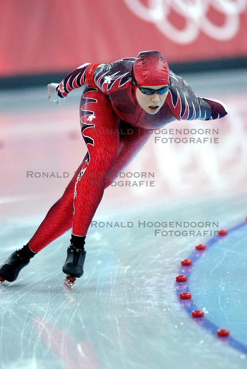 11-02-2006 SCHAATSEN: OLYMPISCHE WINTERSPELEN: 3000 METER DAMES: TORINO<br /> Cindy KLassen (CAN)<br /> &copy;2006-WWW.FOTOHOOGENDOORN.NL