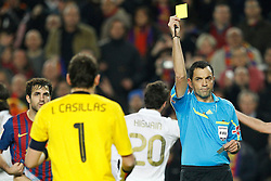 25.01.2012, Stadion Camp Nou, Barcelona, ESP, Copa del Rey, FC Barcelona vs Real Madrid, im Bild Real Madrid's Iker Casillas yellow card // during the football match of spanish Copy del Rey, between FC Barcelona and Real Madrid at Camp Nou stadium, Barcelona, Spain on 2012/01/25. EXPA Pictures © 2012, PhotoCredit: EXPA/ Alterphotos/ Cesar Cebolla..***** ATTENTION - OUT OF ESP and SUI *****