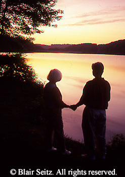Active Aging Senior Citizens, Retired, Activities, Elderly Couple Outdoor Recreation, Staying Fit, Enjoying Nature Couple Sunset Loving at Lake, Romance, Staying Young