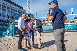 15-07-2018 NED: CEV DELA Beach Volleyball European Championship day 1<br /> Start of the DELA EC Beach Volleyball 2018 / Michel Everaert, Peter Sprenger, Fam van der Linden