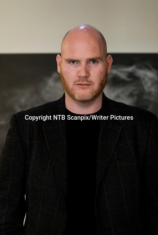 OSLO  20120816.<br /> Forfatter Jan Roar Leikvoll med ny bok &quot; Bovara &quot; under Samlagets presentasjon av h&macr;stens b&macr;ker.<br /> Foto: Berit Roald / NTB scanpix<br /> <br /> NTB Scanpix/Writer Pictures<br /> <br /> WORLD RIGHTS, DIRECT SALES ONLY, NO AGENCY