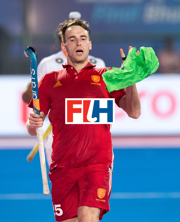 Odisha Men's Hockey World League Final Bhubaneswar 2017<br /> Match id:05<br /> 06 IND v ENG (Pool B)<br /> Foto: Chris Griffiths (Eng) catch a bib.<br /> WORLDSPORTPICS COPYRIGHT FRANK UIJLENBROEK