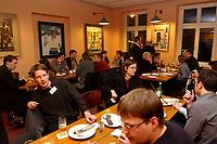 19 FEB 2003, BERLIN/GERMANY:<br /> Treffen Netzwerk Berlin, Gruppe junger SPD Abgeordneter des Deutschen Bundestages, Koellscher Roemer<br /> IMAGE: 20030219-03-019<br /> KEYWORDS: Uebersicht, Übersicht, Youngster