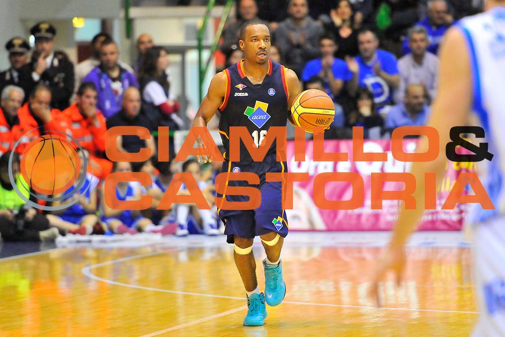 DESCRIZIONE : Campionato 2013/14 Dinamo Banco di Sardegna Sassari - Acea Virtus Roma<br /> GIOCATORE : Josh Mayo<br /> CATEGORIA : Palleggio<br /> SQUADRA : Acea Virtus Roma<br /> EVENTO : LegaBasket Serie A Beko 2013/2014<br /> GARA : Dinamo Banco di Sardegna Sassari - Acea Virtus Roma<br /> DATA : 19/04/2014<br /> SPORT : Pallacanestro <br /> AUTORE : Agenzia Ciamillo-Castoria / Luigi Canu<br /> Galleria : LegaBasket Serie A Beko 2013/2014<br /> Fotonotizia : Campionato 2013/14 Dinamo Banco di Sardegna Sassari - Acea Virtus Roma<br /> Predefinita :