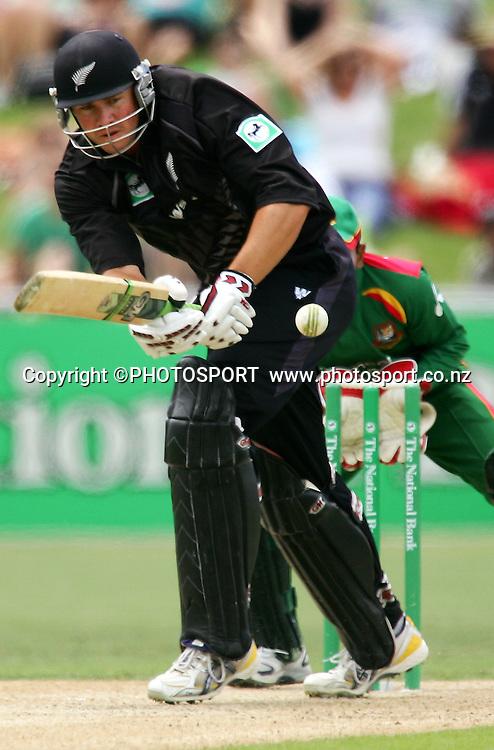 Peter Fulton watches his shot. New Zealand v Bangladesh, 2nd ODI, McLean Park, Napier, New Zealand. Friday 28 December 2007. Photo: John Cowpland/PHOTOSPORT