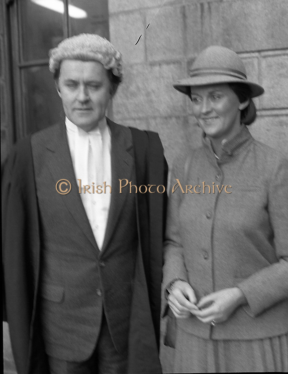 An Tanaiste Called To The Bar.  (P2)..1981..16.11.1981..11.16.1981..16th November 1981..An Tanaiste, Mr Michael O'Leary TD was called to the Bar at The Supreme Court in Dublin today..Photograph shows Mr Michael O'Leary being congratulated by his sister,Mrs John Long, after he was called to the Bar at the Supreme Court in Dublin.