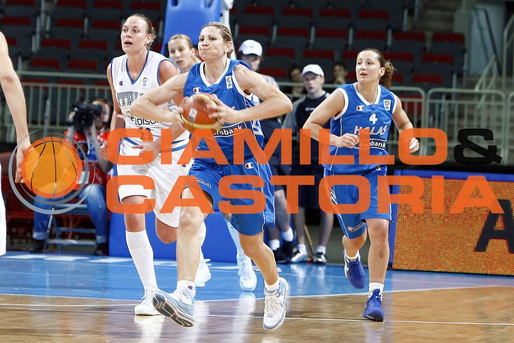 DESCRIZIONE : Riga Latvia Lettonia Eurobasket Women 2009 Semifinal 5th-6th Place Italia Grecia Italy Greece<br /> GIOCATORE : Evanthia Maltsi<br /> SQUADRA : Grecia Greece<br /> EVENTO : Eurobasket Women 2009 Campionati Europei Donne 2009 <br /> GARA : Italia Grecia Italy Greece<br /> DATA : 20/06/2009 <br /> CATEGORIA : passaggio<br /> SPORT : Pallacanestro <br /> AUTORE : Agenzia Ciamillo-Castoria/E.Castoria<br /> Galleria : Eurobasket Women 2009 <br /> Fotonotizia : Riga Latvia Lettonia Eurobasket Women 2009 Semifinal 5th-6th Place Italia Grecia Italy Greece<br /> Predefinita :