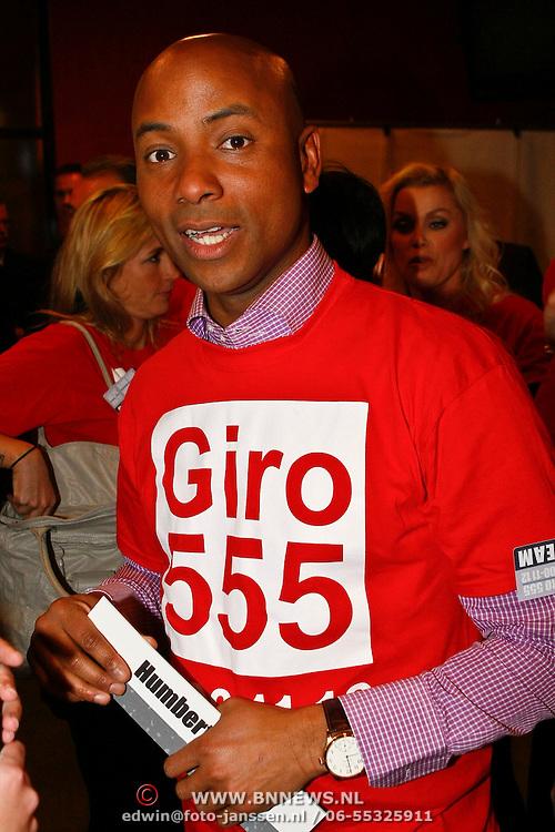 NLD/Hilversum/20100121 - Benefietactie voor het door een aardbeving getroffen Haiti, Humberto tan