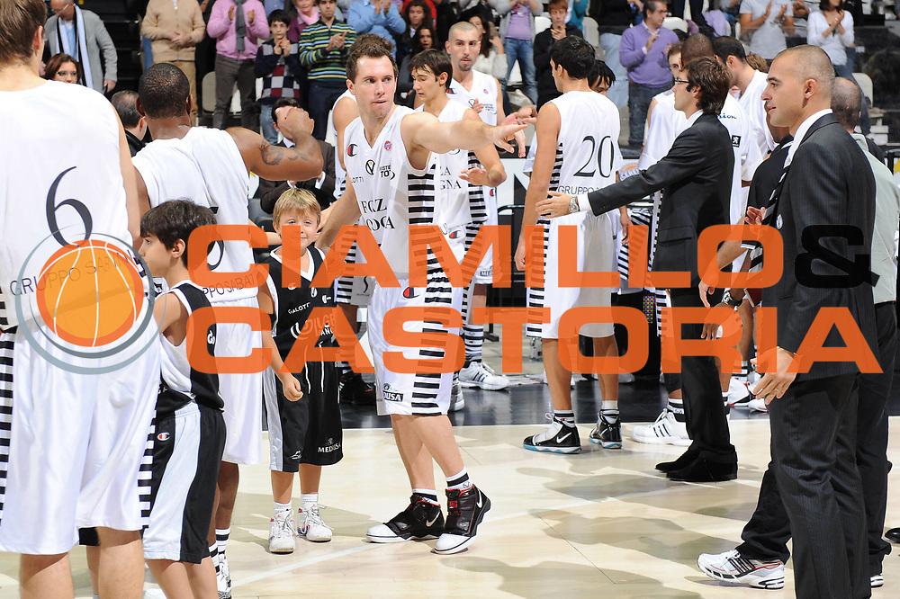 DESCRIZIONE : Bologna Lega A 2009-10 Basket Virtus Bologna Martos Napoli<br /> GIOCATORE : Presentazione<br /> SQUADRA : Virtus Bologna<br /> EVENTO : Campionato Lega A 2009-2010<br /> GARA : Virtus Bologna Martos Napoli<br /> DATA : 25/10/2009<br /> CATEGORIA : <br /> SPORT : Pallacanestro<br /> AUTORE : Agenzia Ciamillo-Castoria/M.Marchi