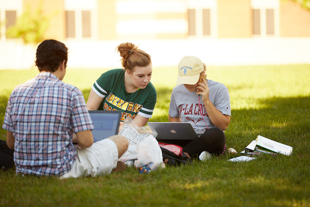 Activity; Talking; Socializing; Studying; Buildings; Eagle Hall; Location; Outside; Fall; October; People; Student Students; Time/Weather; day; sunny; Type of Photography; Candid; UWL UW-L UW-La Crosse University of Wisconsin-La Crosse