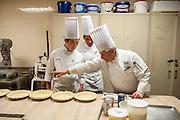 Culinary Institute of America, Poughkeepsie, November 2016.<br /> <br /> George Higgins (rechts)<br /> <br /> Photo &copy; Stefan Falke <br /> New York <br /> www.stefanfalke.com <br /> stefanfalke@mac.com <br /> 917-2149029
