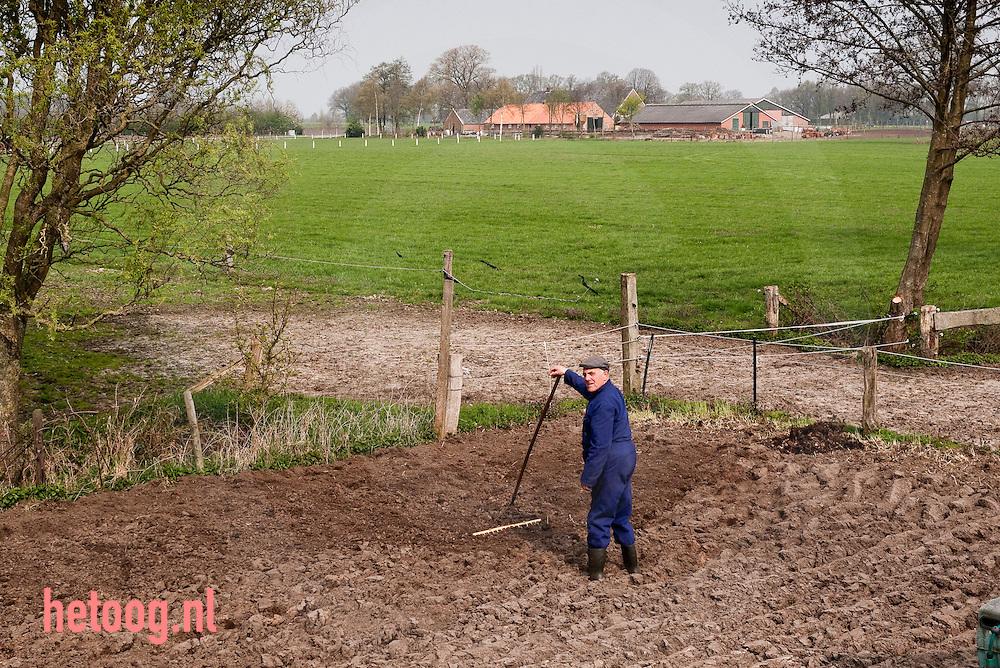 hetOOG Waar: Hulstweg - Haaksbergen Wat: Erve Knippert, zorgboerderij voor ouderen Wanneer: dinsdag 20 april 2010; 10:41 uur