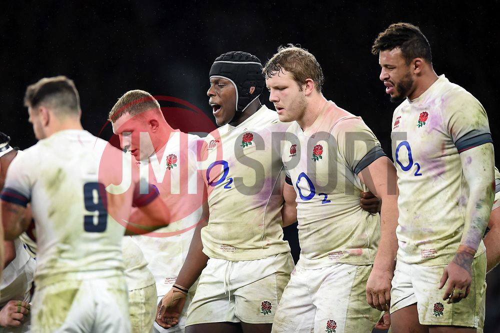 Maro Itoje of England rallies his team-mates at a scrum - Mandatory byline: Patrick Khachfe/JMP - 07966 386802 - 10/02/2018 - RUGBY UNION - Twickenham Stadium - London, England - England v Wales - Natwest Six Nations