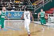 DESCRIZIONE : Avellino Lega A 2015-16 Sidigas Avellino Dolomiti Energia Trentino Trento<br /> GIOCATORE : Janis Blums<br /> CATEGORIA :  palleggio<br /> SQUADRA : Sidigas Avellino <br /> EVENTO : Campionato Lega A 2015-2016 <br /> GARA : Sidigas Avellino Dolomiti Energia Trentino Trento<br /> DATA : 01/11/2015<br /> SPORT : Pallacanestro <br /> AUTORE : Agenzia Ciamillo-Castoria/A. De Lise <br /> Galleria : Lega Basket A 2015-2016 <br /> Fotonotizia : Avellino Lega A 2015-16 Sidigas Avellino Dolomiti Energia Trentino Trento