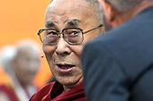 Dalai Lama opent tentoonstelling in Nieuwe Kerk