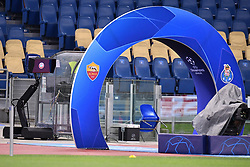 12.02.2019, Stadio Olimpico, Rom, ITA, UEFA CL, AS Roma vs FC Porto, Achtelfinale, Hinspiel, im Bild la var all'esordio in Champions, Video Assistant Referee during the UEFA Champions League round of 16, 1st leg match between AS Roma and FC Porto at the Stadio Olimpico in Rom, Italy on 2019/02/12. EXPA Pictures © 2019, PhotoCredit: EXPA/ laPresse/ Alfredo Falcone<br /> ALFREDO<br /> <br /> *****ATTENTION - for AUT, SUI, CRO, SLO only*****