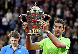 28.10.2012, St. Jakobshalle, Basel, SUI, ATP, Swiss Indoors, Finale, im Bild Roger Federer (SUI) und Juan Martin Del Potro (ARG) // during ATP Swiss Indoors Tournament Final Match at the St. Jakobshall, Basel, Switzerland on 2012/10/28. EXPA Pictures © 2012, PhotoCredit: EXPA/ Freshfocus/ Daniela Frutiger..***** ATTENTION - for AUT, SLO, CRO, SRB, BIH only *****