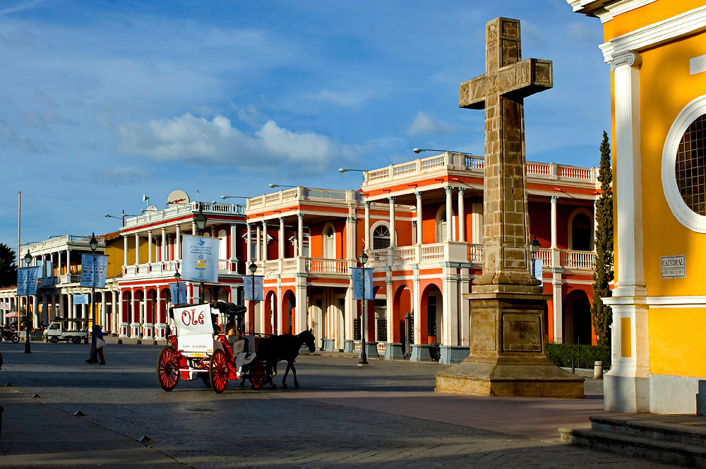 Nicaragua / Granada / Independence Plaza / Horse Carriage / Private.Colonial Homes / Cruz de Siglo (Cross)