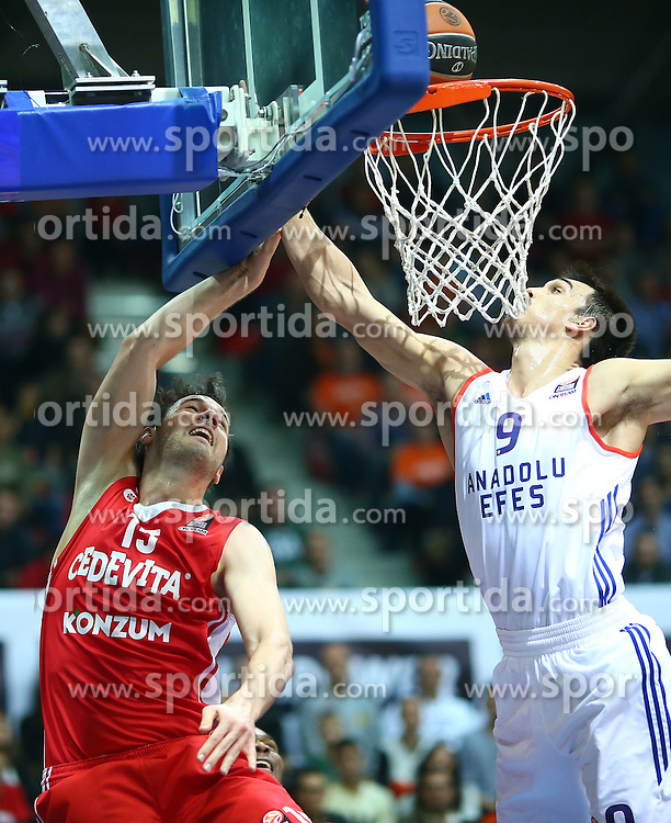 03.12.2015, KC Drazen Petrovic, Zagreb, CRO, FIBA, EL, KK Cedevita vs Anadolu Efes Istanbul, Gruppe B, 8. Runde, im Bild Miro Bilan, Dario Saric // during the group B, 8th round match of the Turkish Airlines Basketball Euroleague between KK Cedevita and Anadolu Efes Istanbul at the KC Drazen Petrovic in Zagreb, Croatia on 2015/12/03. EXPA Pictures &copy; 2015, PhotoCredit: EXPA/ Pixsell/ Slavko Midzor<br /> <br /> *****ATTENTION - for AUT, SLO, SUI, SWE, ITA, FRA only*****