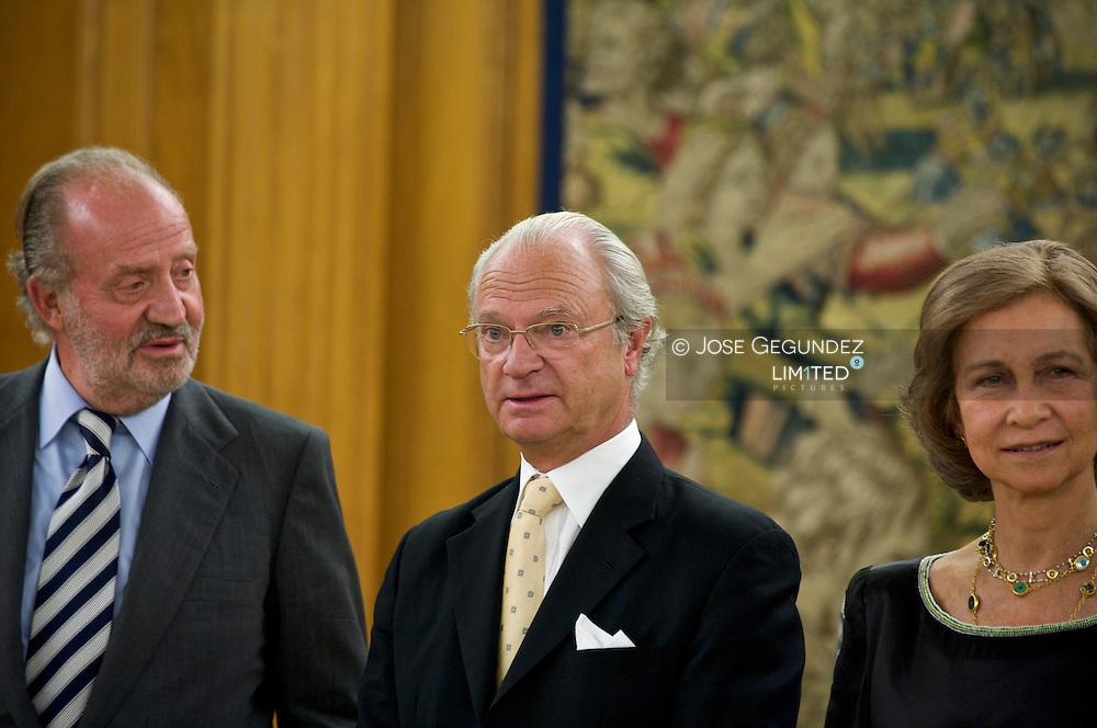 Their Majesties Kings D. Juan Carlos I and Da. Sofia, accompanied by HRH the Princes of Asturias, D. Felipe and Da. Letizia and  Princes Elena, host a dinner for His Majesty King Carl Gustaf of Sweden