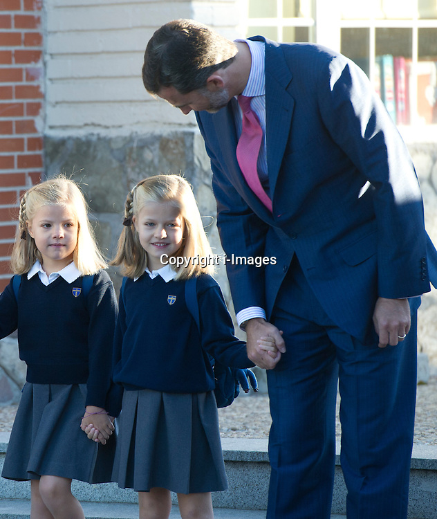 The Asturias Princess Felipe de Borbon and Letizia Ortiz arrived with their daughters Sofia(L) and Leonor (R) at the first day of school in the new school year 2012-2013. Madrid. Spain on the 14th September 2012  Photo by Eduardo Dieguez/DyD Fotografos/i-Images.