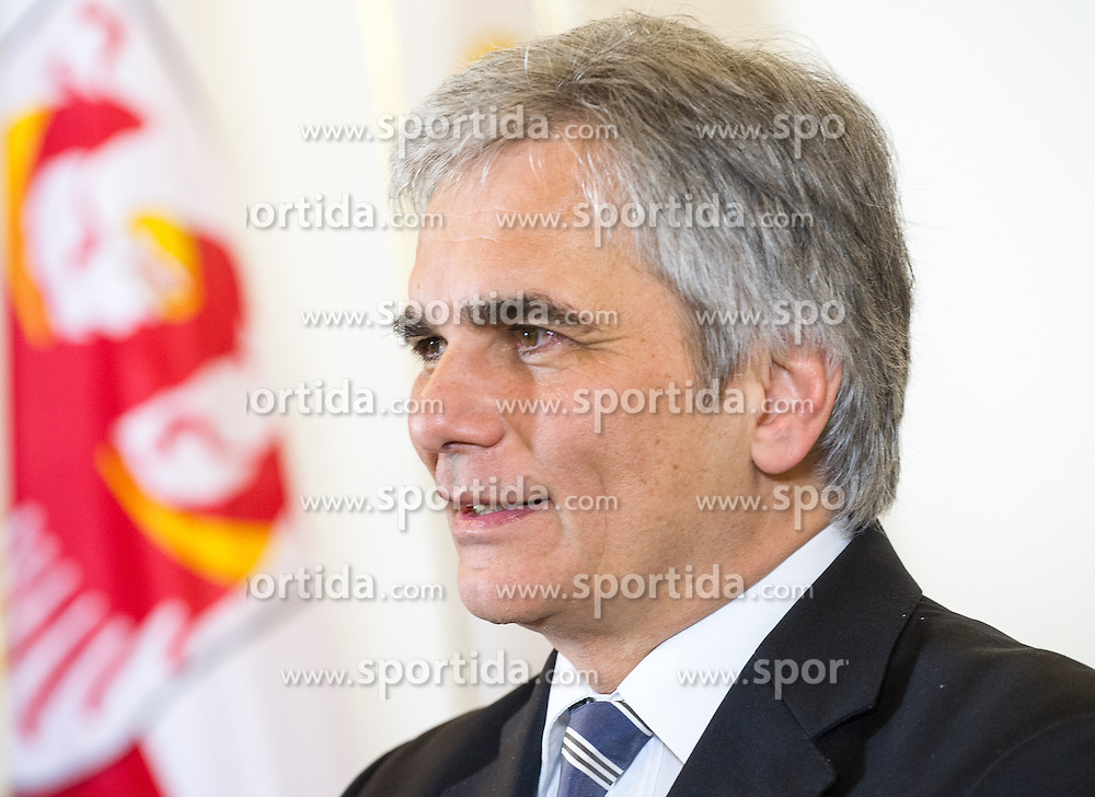 27.01.2014, Bundeskanzleramt, Wien, AUT, Oesterreichischer Bundeskanzler empfaengt Suedtiroler Landeshauptmann, im Bild Bundeskanzler Werner Faymann // Federal Chancellor of Austria Werner Faymann during meeting of federal chancellor of austria and Governor of South Tyrol at Chancellors Office, Vienna, Austria on 2014/01/27, EXPA Pictures © 2014, PhotoCredit: EXPA/ Michael Gruber