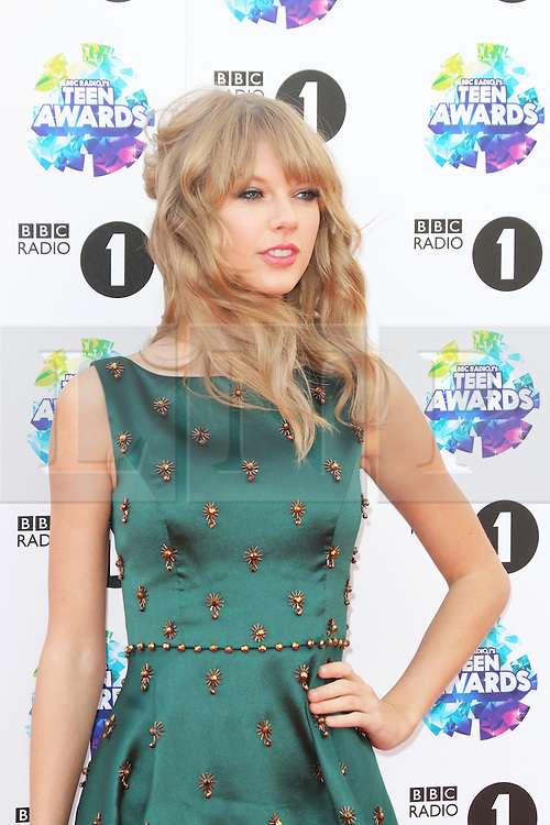 Taylor Swift, BBC Radio 1 Teen Awards, Wembley Arena, London UK, 03 November 2013, Photo by Richard Goldschmidt © Licensed to London News Pictures. Photo credit : Richard Goldschmidt/Piqtured/LNP