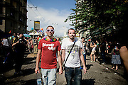 NAPOLI. LA COMUNITA LESBICHE GAY BISESSUALI TRANSGEDER SFILA A NAPOLI NEL GIORNO DEL GAY PRIDE; THE LESBIAN GAY BISEXUAL COMMUNITY TRANSGEDER SHOW IN NAPLES IN THE DAY OF GAY PRIDE
