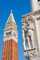Italie, Venetie, Venise, Grand Canal, place Saint Marc, piazza San Marco, Patrimoine mondial de l'UNESCO // Italy, Venice, Veneto, square San Mark, Winged Lion Column and Campanile, World heritage of the UNESCO