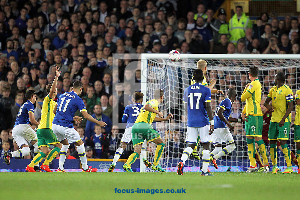 Kevin Mirallas of Everton has a shot on goal from a free kick during the EFL Cup match at Goodison Park, Liverpool<br /> Picture by Paul Chesterton/Focus Images Ltd +44 7904 640267<br /> 20/09/2016