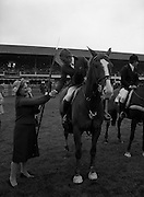07/08/1980<br /> 08/07/1980<br /> 07 August 1980<br /> R.D.S. Horse Show: John Player International, Ballsbridge, Dublin.  Malcolm Pyrah (Great Britain) on Towerlands Anglezarke won the John Player sponsored competition. Image shows Mrs Oliver Casey, wife of the Managing Director of John Player presenting the John Player Pennant to Malcolm Pyrah.