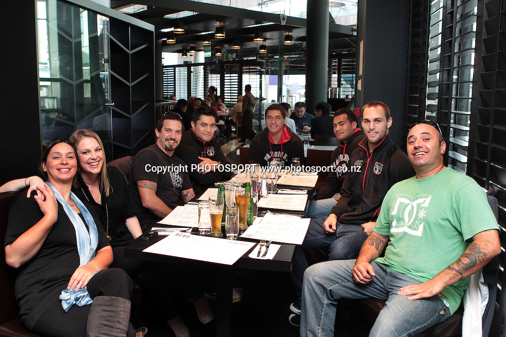 Warriors players (L-R) Jerome Ropati, Sione Lousi, Ivan Penehe and Simon Mannering have lunch with competition winner Leon Forster (R) and friends. Captain's Lunch at Rebo, SKYCITY. Thursday 23 June 2011. Photo: Ella Brockelsby/photoport.co.nz