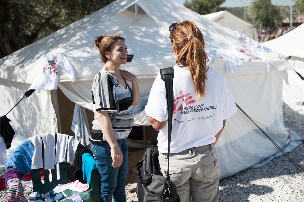 MSF psychiatrist Lena Zachou is counselling 40 year old Aysha from Aleppo ouside her tent in Kara Tepe camp