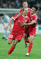 Fotball<br /> Sveits<br /> Foto: EQ Images/Digitalsport<br /> NORWAY ONLY<br /> <br /> Kvalifisering til UEFA Champions League<br /> 23.08.2005<br /> FC Thun v Malmö FF<br /> <br /> Thuns Mauro Lustrinelli und Nelson Ferreira jubeln nach dem 3:0