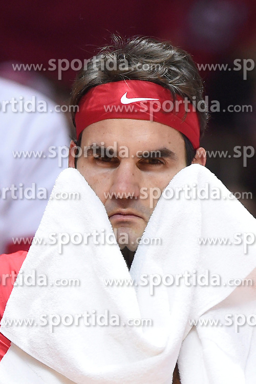 21.11.2014, Stade Pierre Mauroy, Lille, FRA, Davis Cup Finale, Frankreich vs Schweiz, im Bild Roger Federer (SUI) // during the Davis Cup Final between France and Switzerland at the Stade Pierre Mauroy in Lille, France on 2014/11/21. EXPA Pictures &copy; 2014, PhotoCredit: EXPA/ Freshfocus/ Valeriano Di Domenico<br /> <br /> *****ATTENTION - for AUT, SLO, CRO, SRB, BIH, MAZ only*****