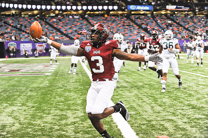 Troy Trojans wide receiver Jerrel Jernigan (3) runs in for a touchdown during the first of the game.Troy Trojans leads Ohio Bobcats 38-7 at half time.