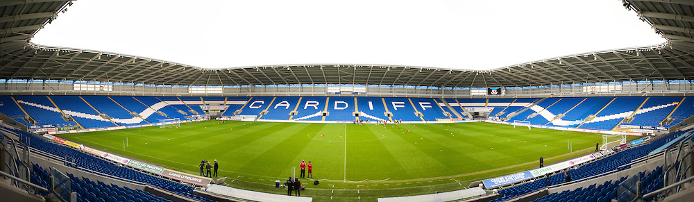 CARDIFF, WALES - Thursday, November 12, 2009: Wales players training at the Cardiff City Stadium ahead of the international friendly match against Scotland. (Pic by David Rawcliffe/Propaganda)