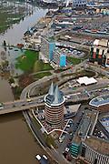 Nederland, Limburg, Roermond, 15-11-2010;.hoogwater Maas, brug Rijksweg N280 en Maasplassen. Het hoogwater is een gevolg van sneeuwsmelt en neerslag in de bovenloop van de rivier. Natalinitoren aan de Looskade. .Meuse flood, bridge highway N280. High water due to snow melt and precipitation upstream. .luchtfoto (toeslag), aerial photo (additional fee required).© foto/photo Siebe Swart.luchtfoto (toeslag), aerial photo (additional fee required).foto/photo Siebe Swart
