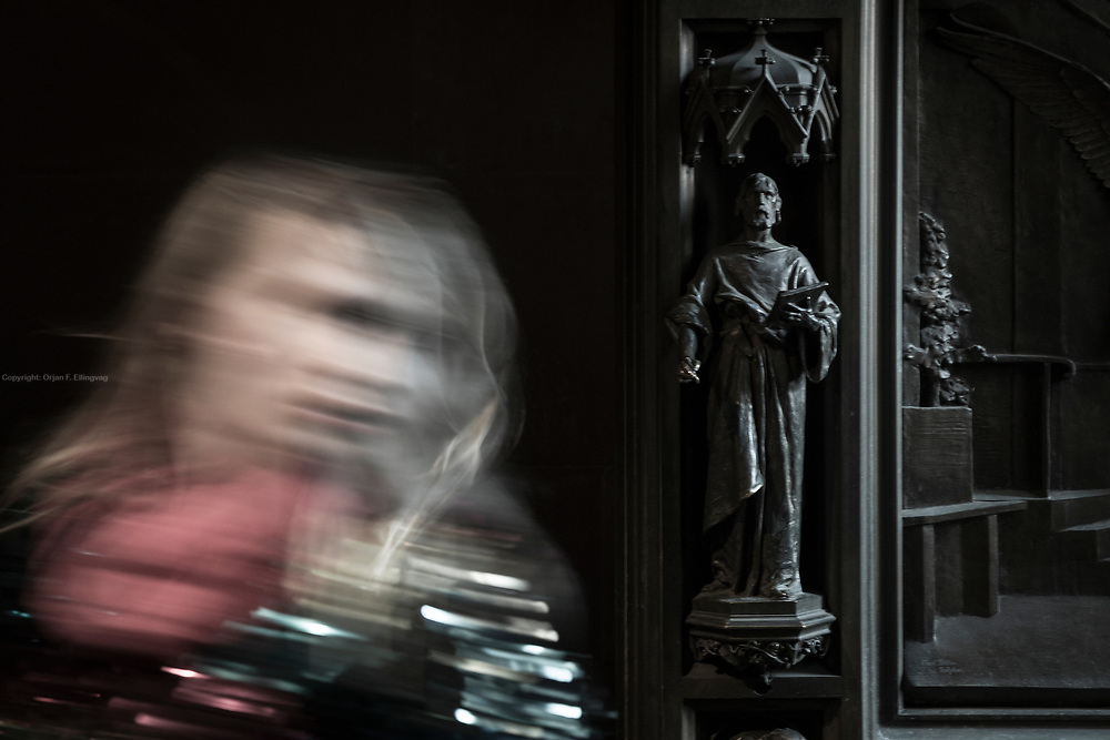 The heavy bronze sculptures of saints adorning the entrance doors of the Trinity Church was a gift from William Waldorf Astor to commemorate his father, the powerful financier and philantropist  John Jacob Astor lll.