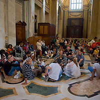 Famiglie sgomberate  chiedono aiuto a Papa Francesco