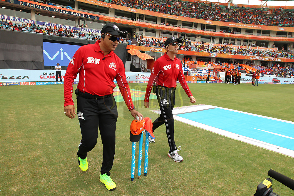 Umpires during match 6 of the Vivo 2017 Indian Premier League between the Sunrisers Hyderabad and the Gujarat Lions held at the Rajiv Gandhi International Cricket Stadium in Hyderabad, India on the 9th April 2017Photo by Prashant Bhoot - IPL - Sportzpics