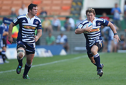 Deon Fourie of the Stormers running at pace with teammate Francois Louw in support during the Super Rugby (Super 15) fixture between DHL Stormers and the The Force played at DHL Newlands in Cape Town, South Africa on 26 March 2011. Photo by Jacques Rossouw/SPORTZPICS