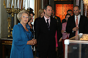 Her Majesty the queen has opend on June the 30th the exibition town hall of Orange, 350 years history  in the royal palace in Amsterdam. During the opening on 30 June an introduction is given by historian Geert mak, one the authors the catalogue which appears at the exibition.<br />