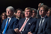 Koning Willem Alexander is aanwezig bij de NOS conferentie 'Journalistiek On Demand' in TivoliVredenburg te Utrecht waar onder andere gesproken wordt  over het belang van het NOS Journaal <br /> <br /> King Willem Alexander attends the NIS conference 'Journalism On Demand in TivoliVredenburg Utrecht where among other things it talks about the importance of the NOS News<br /> <br /> Op de foto / On the photo:  Koning Willem Alexander met NOS hoofdredacteur Marcel Gelauff en Staatssecretaris OCW Sander Dekker/ <br /> King Willem Alexander with NOS news chief Marcel Gelauff and State Secretary OCW Sander Dekker
