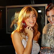 Presentatie telefoon Samsung, prijsuitreiking diamanten telefoon, Estelle Cruyff