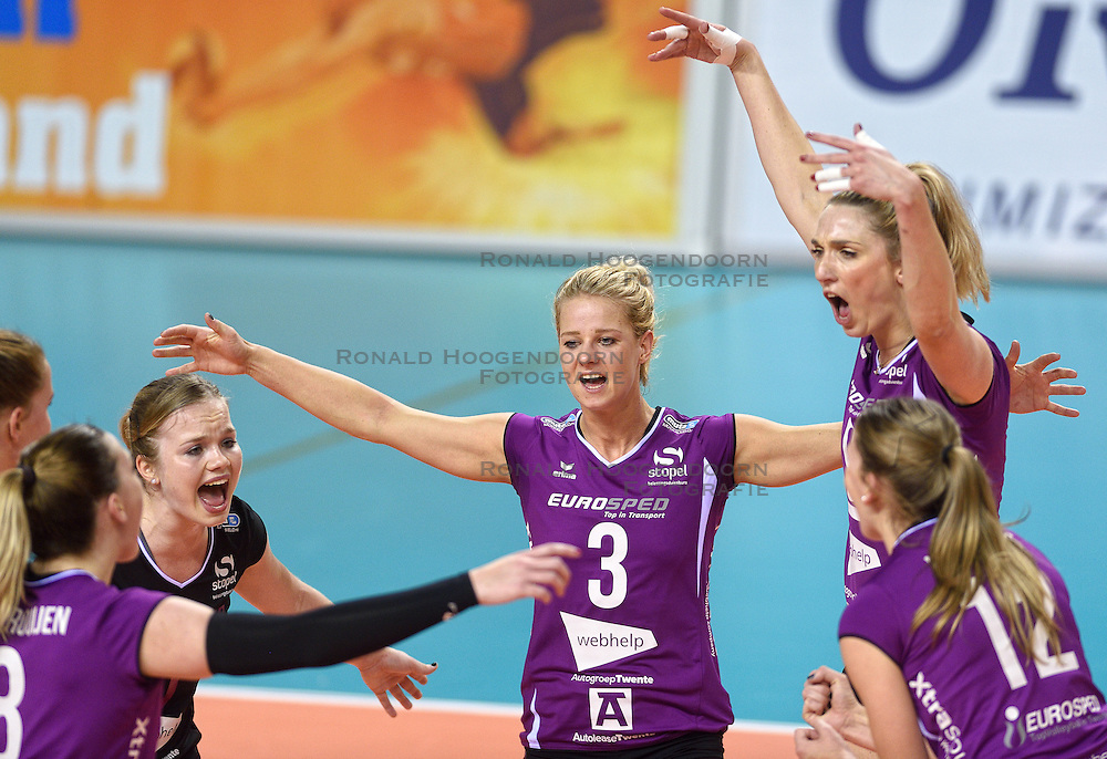 21-02-2016 NED: Bekerfinale Eurosped TVT - Set Up 65, Almere<br /> Judith Kamphuis #3 of Eurosped , Jeanine Stoeten #9 of Eurosped