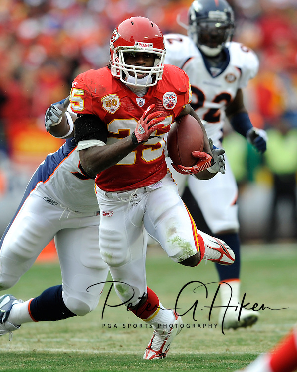 December 6, 2009:  Running back Jamaal Charles #25 of the Kansas City Chiefs brakes up field during the first half against the Denver Broncos at Arrowhead Stadium in Kansas City, Missouri.  The Broncos defeated the Chiefs 44-13...